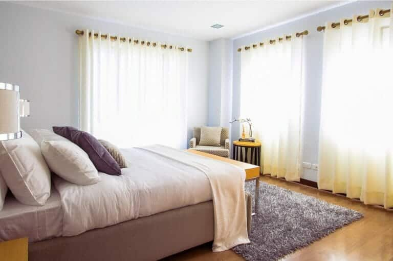 5 Great Ways to Protect Bedroom Privacy with Window Treatments