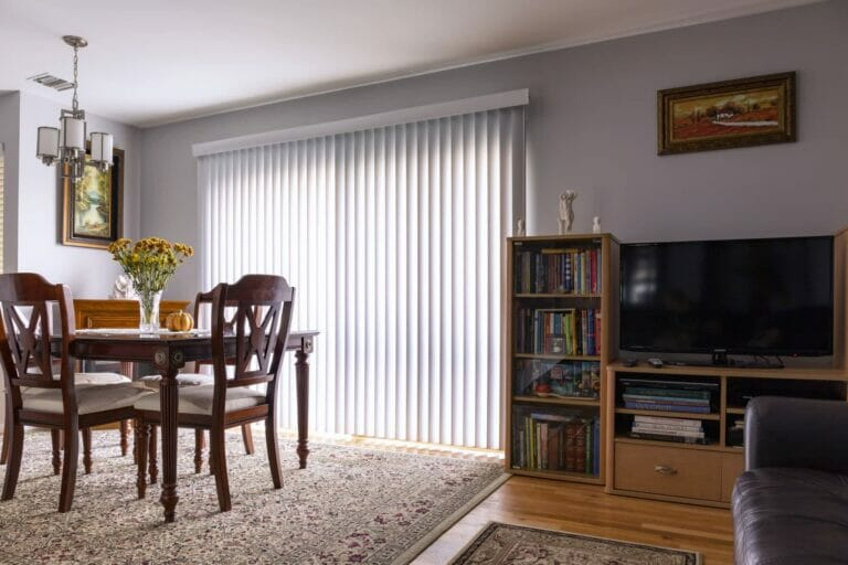 Window Treatment Ideas for Sliding Glass Doors with Privacy Film